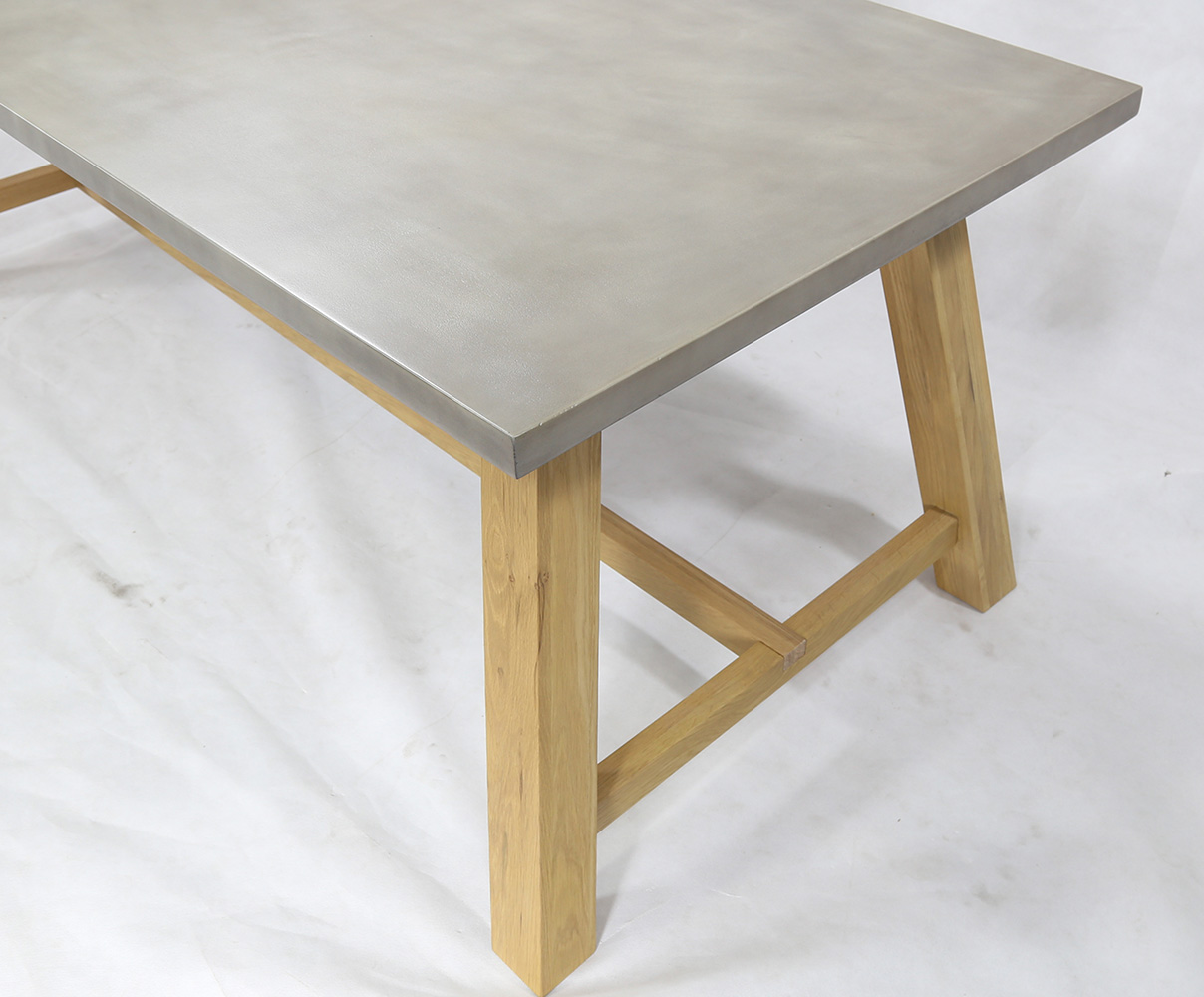 Fresno Dining table with Cemboard on top